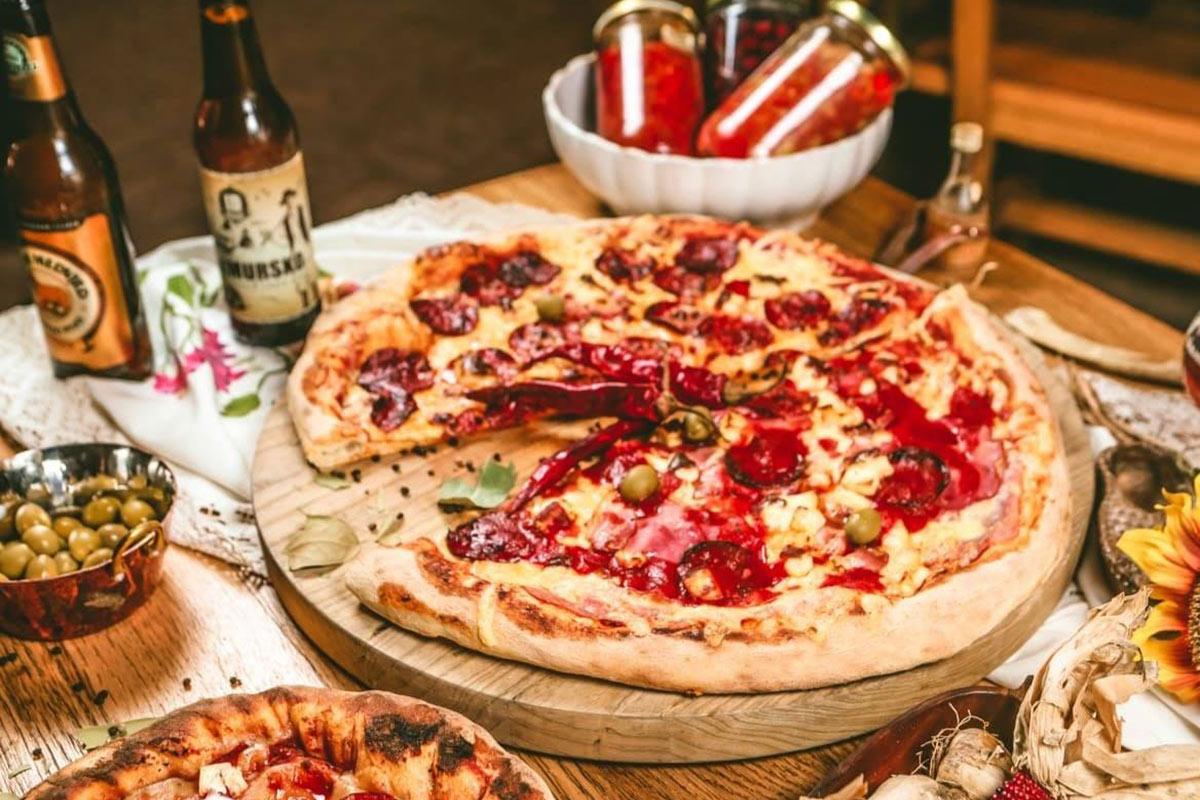 chello_pizza_lokal